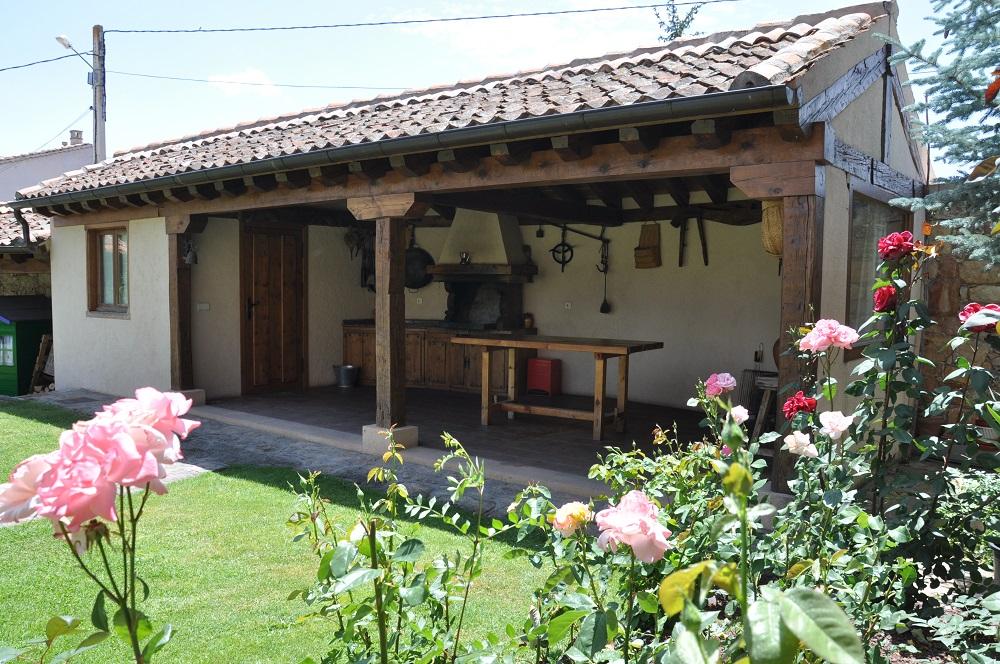 Barbacoa Casa Rural La Cantañera Cañicosa Segovia