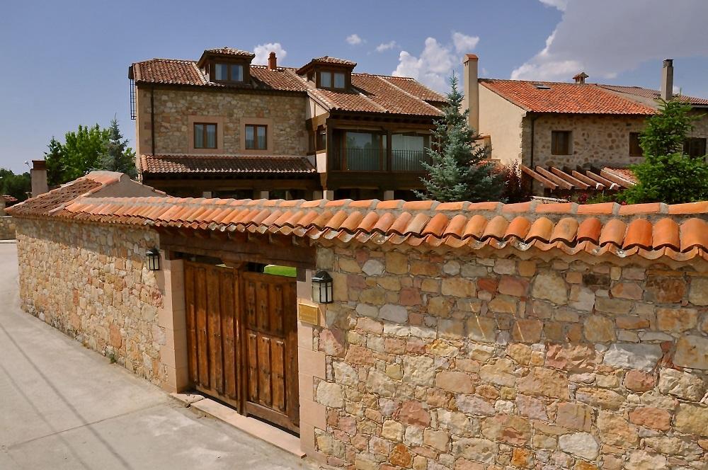 Exterior Jardin Casa Rural La Cantañera Cañicosa Segovia